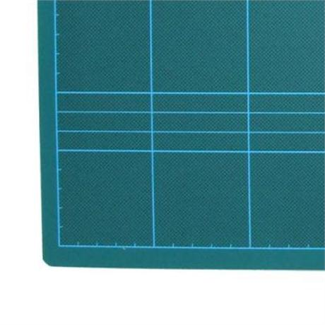 Self Healing Green Cutting Mats Image 1
